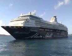 Kreuzfahrtschiff TUI Cruises Mein Schiff 2