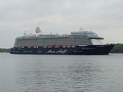 Kreuzfahrtschiff TUI Cruises Mein Schiff 4